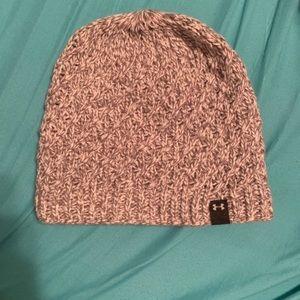 Women's under armour beanie hat